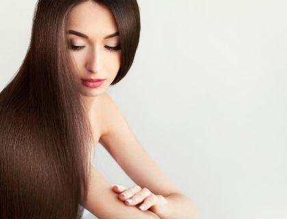 Hair. Beautiful Woman with Healthy Long Hair.